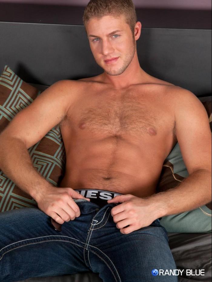 muscle hukns gay