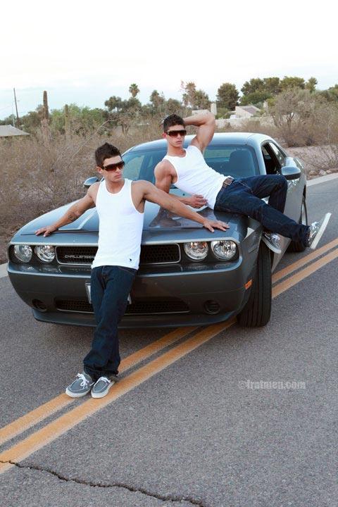 Micky and Ajay - MaxeGatos