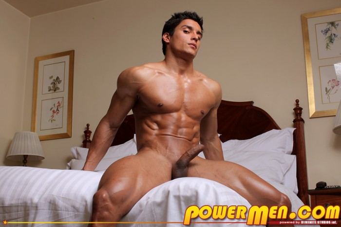 Naked gay muscle men in the gym samus loves
