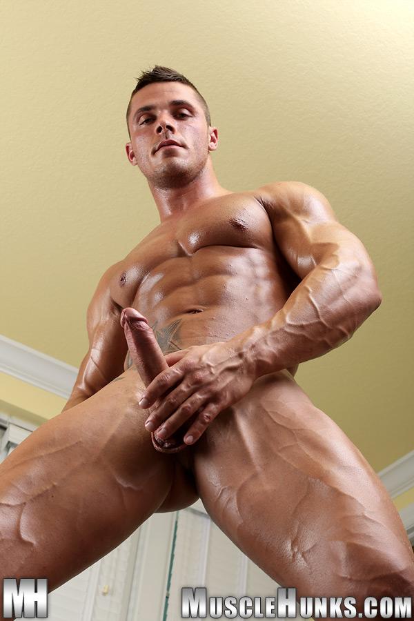 время голые мускулистые парни видео тысячи