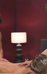 Jovens garotos fazendo sexo nesse vídeo super quente 8