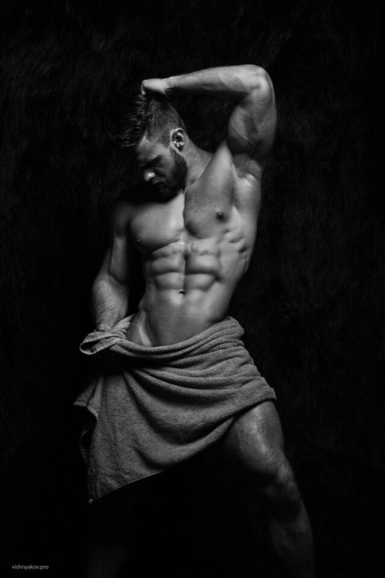 Fotos quentes do modelo Konstantin Kamynin 23