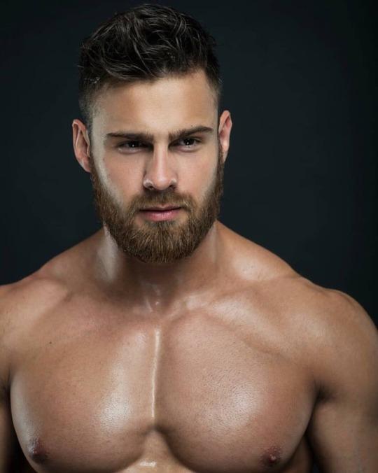 Fotos quentes do modelo Konstantin Kamynin 25