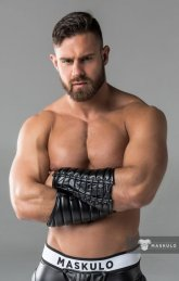 Fotos quentes do modelo Konstantin Kamynin