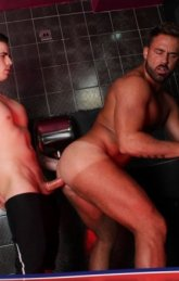 Fazendo sexo com estranho no banheiro da bala
