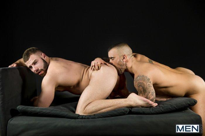 Dois machos parrudo transando 10