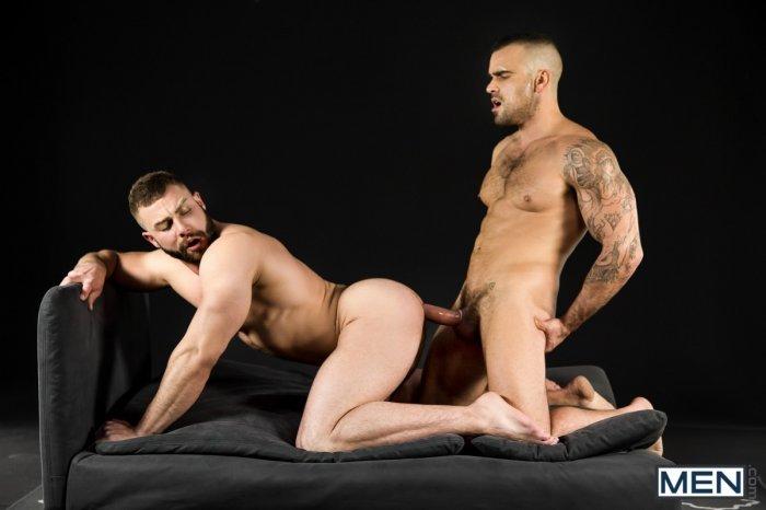 Dois machos parrudo transando 11