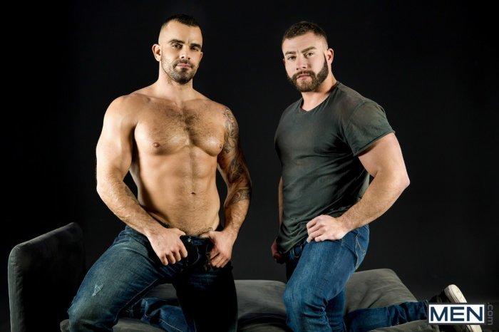 Dois machos parrudo transando 3