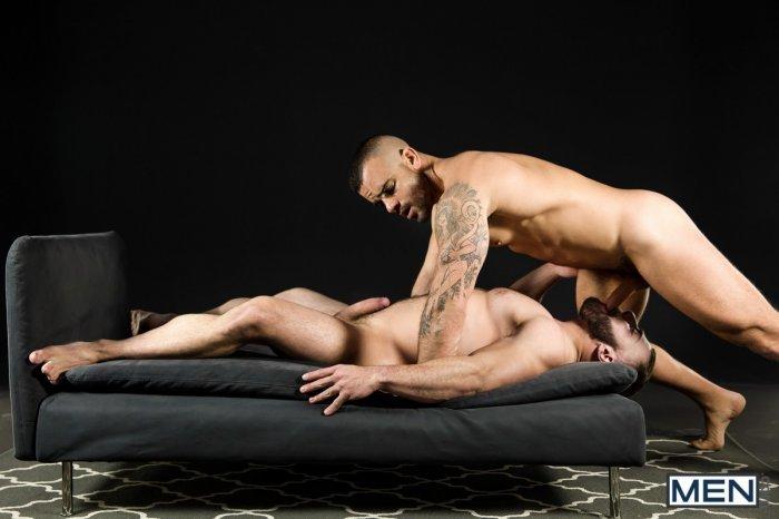 Dois machos parrudo transando 9