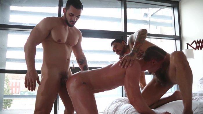 Muito sexo gay com dupla penetração 20