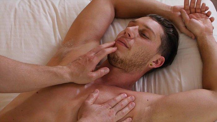 Sexo gay entre homens safados fodendo 5